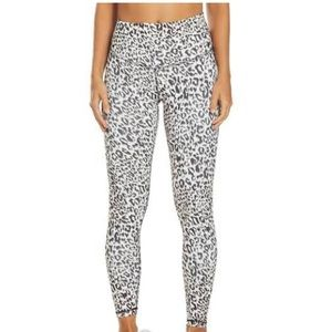 Women's grey cheetah leggings